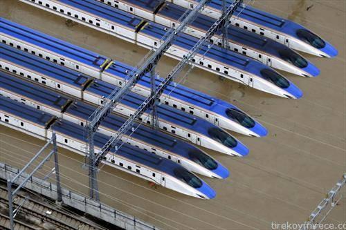 поројниот дожд по тајфунот во Јапонија, ги поплави возовите
