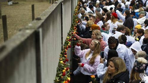 30 години од падот на Берлинскиот ѕид