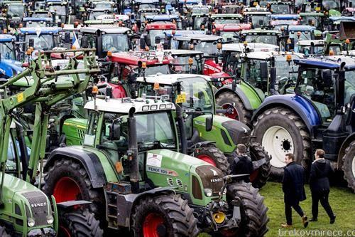 фармери со трактори, на протест во Холандија