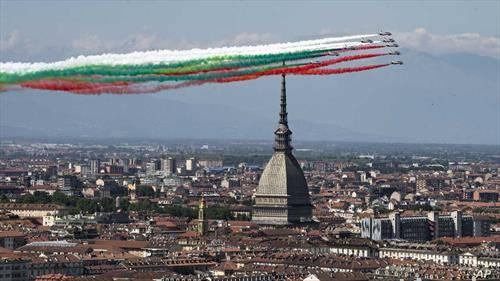 аеро митинг за 74 години државност на Италија