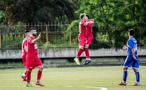 радоста на фудбалерите на ФК Борец по влезот во Прва лига