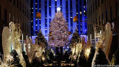 се запалија светилките на божикното дрво во Њујорк