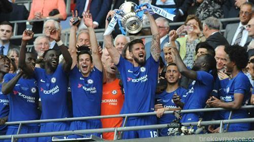 фудбалерите на Челзи го освоија англискиот Куп