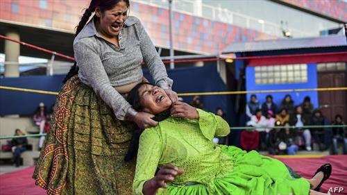 борба на жени, во ринг во Боливија