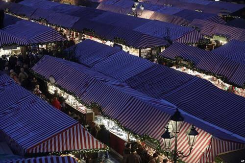 Божикен пазар во Нирнберг Германија