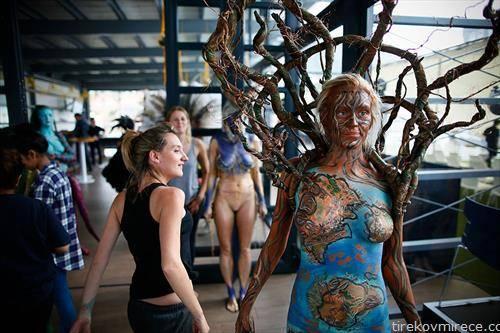 Бодиспектра е фестивал за цртање по тела се одржува секој декември во Кејп Таун, ЈАР