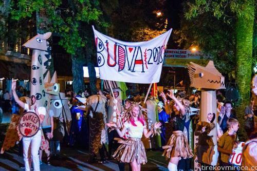 во Будва карневал и пролетва