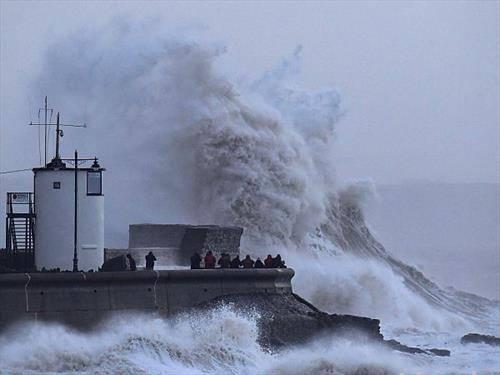 бранови во Англија