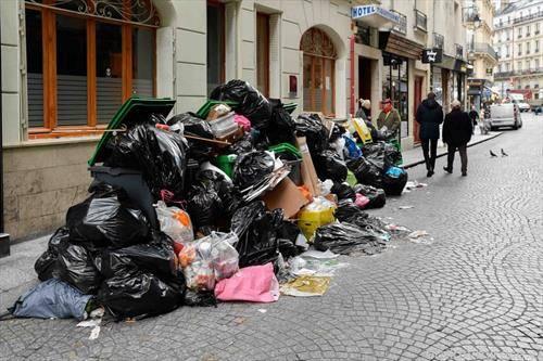 Париз по штрајкот на комуналните работници
