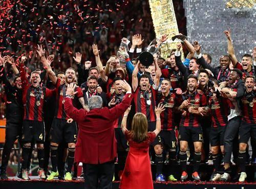 земјотресот   Атланта јунајтед е првак на американскиот фудбал