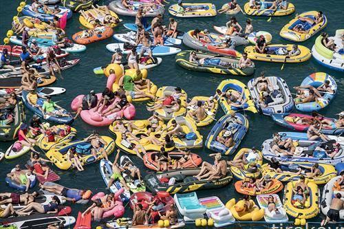 одмор во базен во Швајцарија