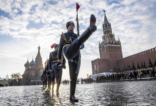 77 години откако германските војници беа сопрени на вратите на Москва