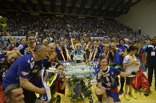 ракометарките ан Крајова се победнички на ЕХФ купот