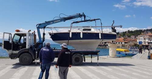 пајакот лови бродчиња на охридско