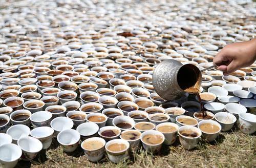 кафе за починатите во сребреница