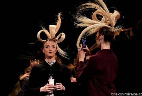 модна ревија за фризури во Париз