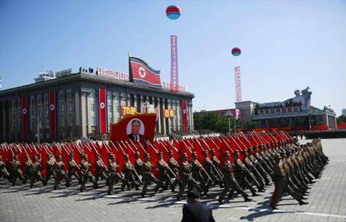 Воена парада по повод 70-годишнината од постоењето на Северна Кореја