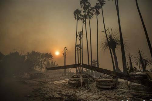апокалиптична слика по пожарите во Калифорнија