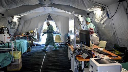 болница на отворено во Бреша Италија, во борбата со корона вирусот