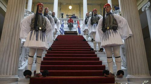 Грците го пречекуваат српскиот претседател Вучиќ во Атина