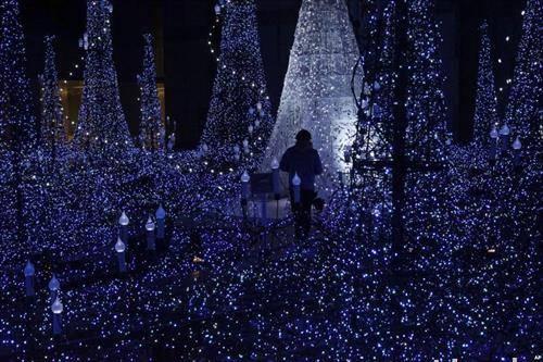 светлечка илуниација во Токио