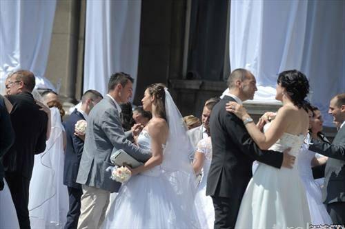 колективна граѓанска венчавка во Белград  со 50 парови