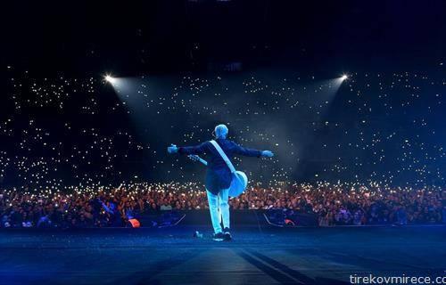 дино мерлин пред 20 илјади загрепчани одржа концерт за помнење