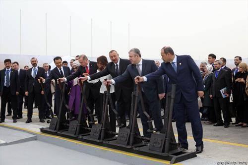 Претседателите на Узбекистан, Азербејџан, Турција и Казахстан пуштија во употреба новата регионална железничка линија Баку - Тбилиси - Карс.