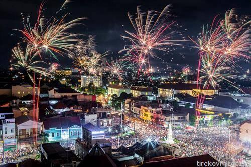 доаѓањето на новата во Џакарта