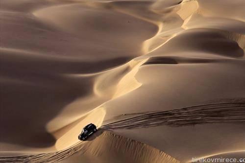 започна релито Дакар , кое се вози низ Јужна Америка, фотографија од пустините на Перу