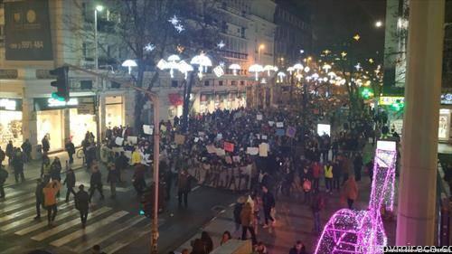 скопските средношколци протестираа, паролата беше сакаме да дишеме