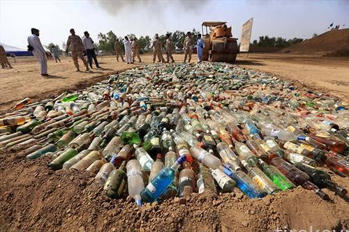 се уништува алкохол во Саудиска  Арабија