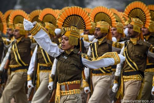 индиски вооружени сили на парада во Њу Делхи