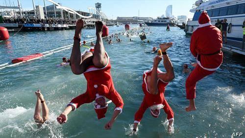 новогодишно капење на дедо мразовци во Барселона