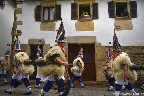 маскенбал јолдунак на Пиринеите во Шпанија