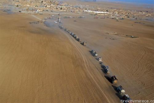 жителите на ирачкото село Тал алах се враќаат дома, откако е  ослободено од ИСИС