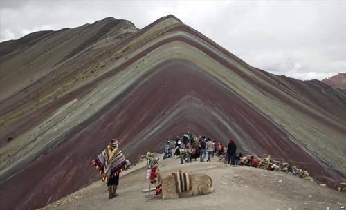 туристи и водичи на Андите во Перу на 5 илјади метри н.в.