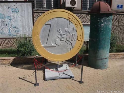 еврото стаса во Велес