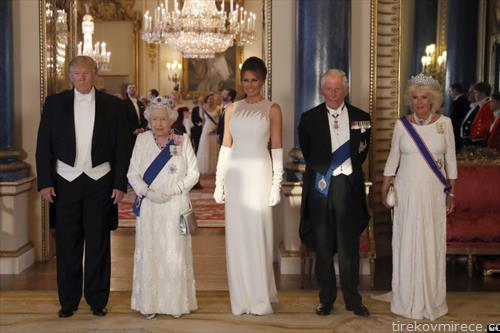 трамп на прием кај англиската кралица