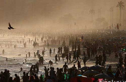 глетка од плажата во Рио