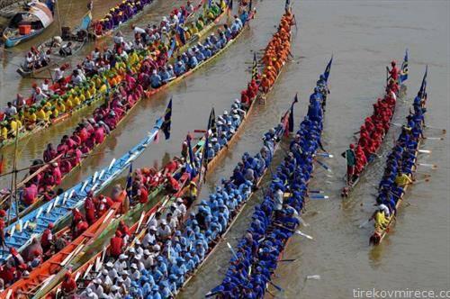 годишна трка на чамци во Пном Пен Камбоџа