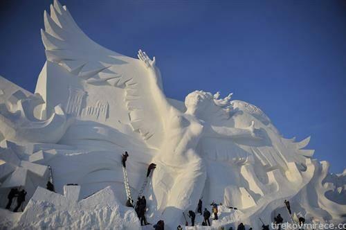 се подготува музејот на мраз во Харбин Кина