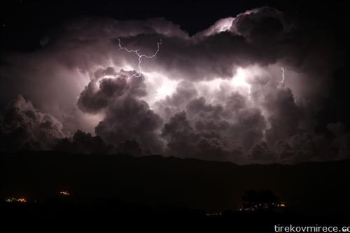 молњи на Корзика