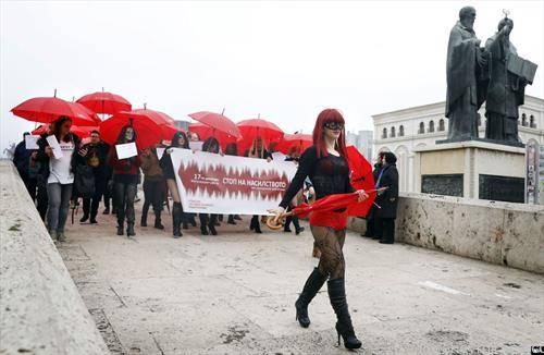 Сексуалните работници традиционално по 12-ти пат во Скопје маршираа за поголеми права, еднаков третман пред законите и почитување на нивното право на слободен избор