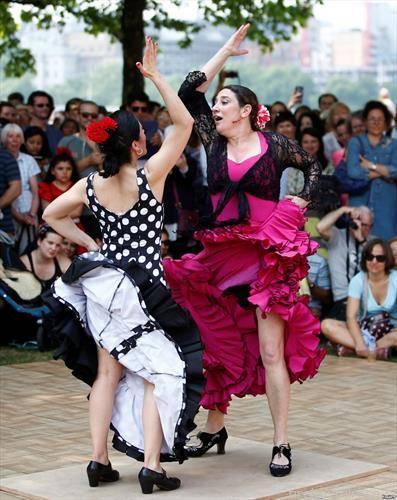 андалузиски танц во Лондон, на отворено
