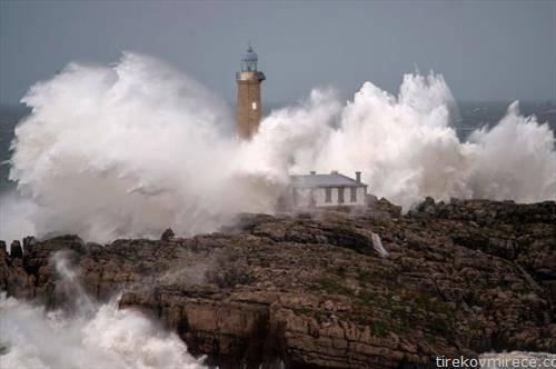 високи бранови во сантандер, Шпанија