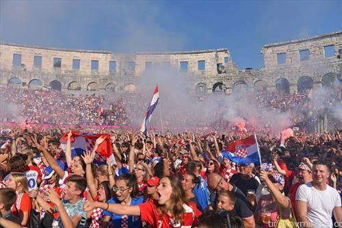 Хрватите натпреварот од финалето го следеа во преполната Арена во Пула