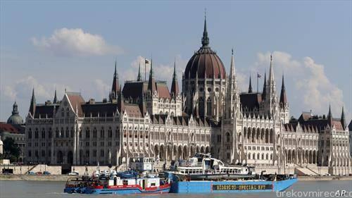 од водите на Дунав во Будимпешта изведен е потонатиот брод во кој загинаа корејски туристи