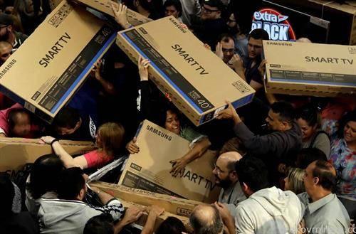 црн петок, во продавница во Сао Паоло