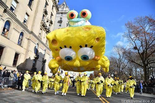 боб сунѓерот на парада на балоните, за денот на Благодарноста во САД